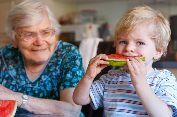 Toddlers & Seniors Live, Eat and Play Together At These Awesome Intergenerational Homes