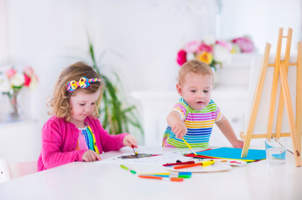 8-Fun-Summer-Crafts-For-Kids-That-Are-Simple-To-Make-and-Clean-Up