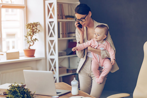 8 Helpful Tips For Moms Balancing Work And Family Life